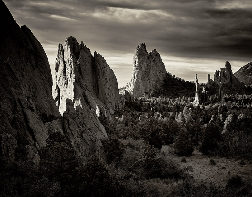 Cathedral-Valley-Garden-of-the-Gods-L.USA17(0242)36