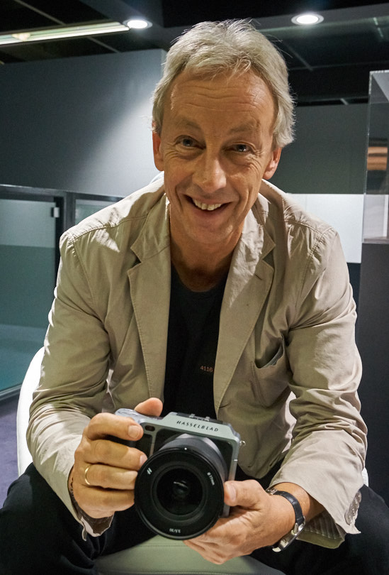 A happy Perry Oosting shows us the Hasselblad X1D