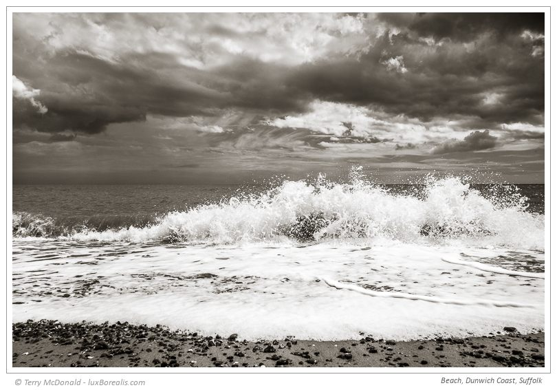 Beach, Dunwich Coast, Suffolk – 24mm (equiv.) ƒ5.6@1/640 ISO100 EV0