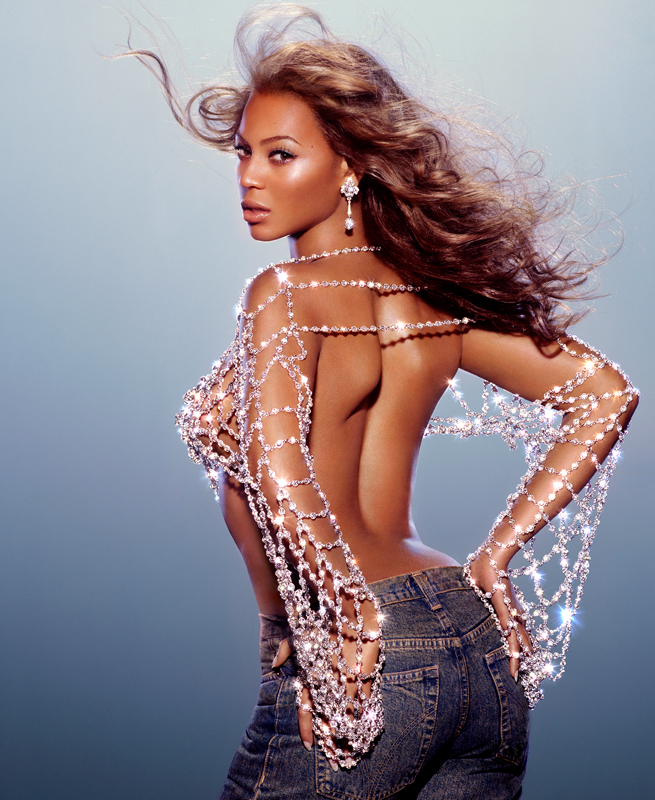 Beyonce album cover shoot in New York, 2003, with Broncolor Flooter S.(photo by Markus Klinko)