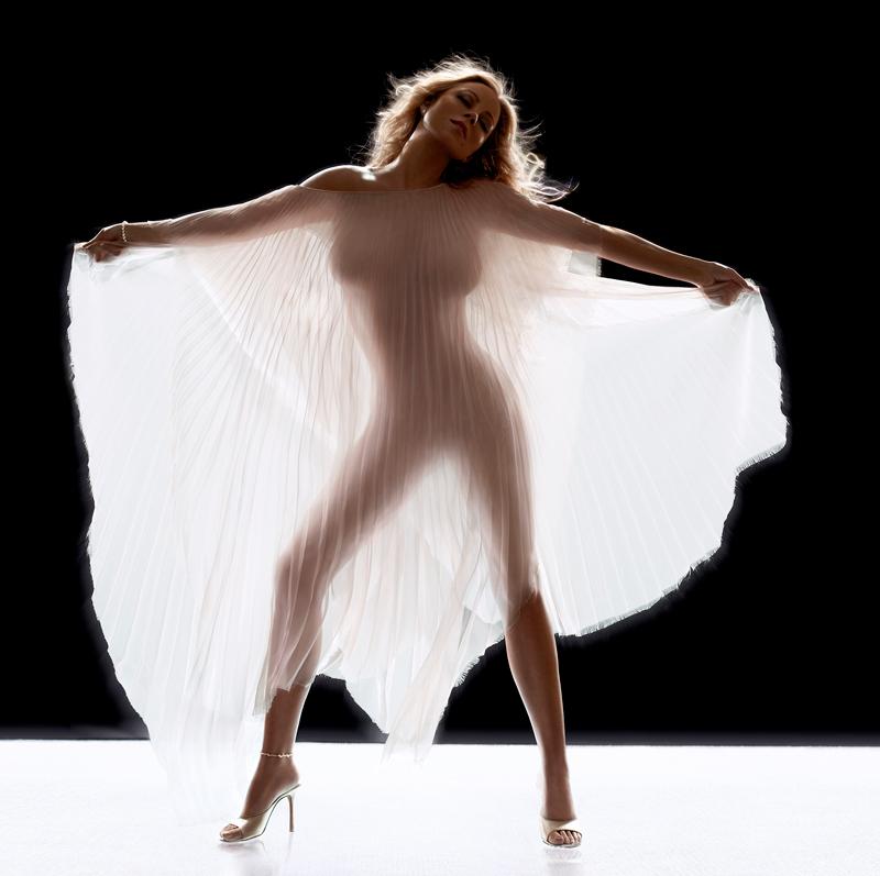 Mariah Carey album cover shoot, New York, 2005, withstacked Broncolor Lightbars 120.(photo by Markus Klinko)