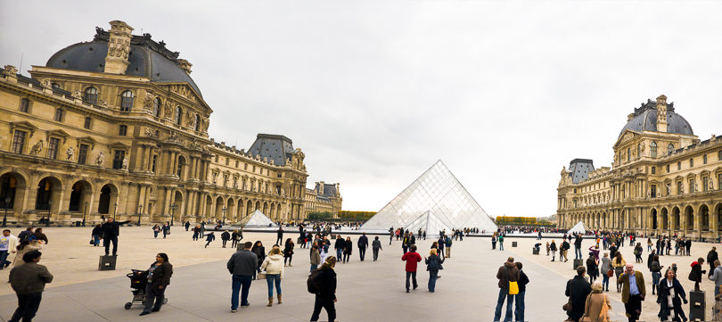 The Louvre courtyard is one of those exciting spaces where lots of 3D interest occurs at the eye's stereo limit